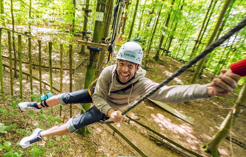 Hochseilgarten Altenhof bei Eckernförde: Kletterabenteuer in luftiger Höhe